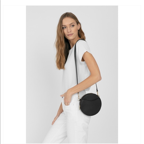 Cuyana Handbags - Cuyana black mini circle belt bag